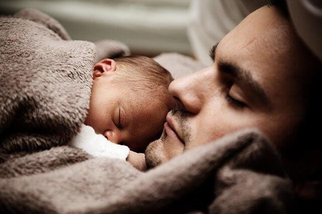 Ce que les papas peuvent faire pour aider les nouvelles mamans
